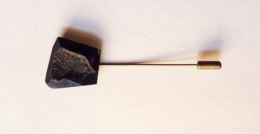 Gilded Pebbles ✶ Stone Jewelry ✶ Black Stone Lapel Pin { 18 }
