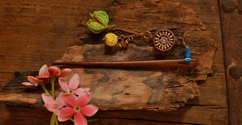 Crochet jewelry { Hair Stick } 28