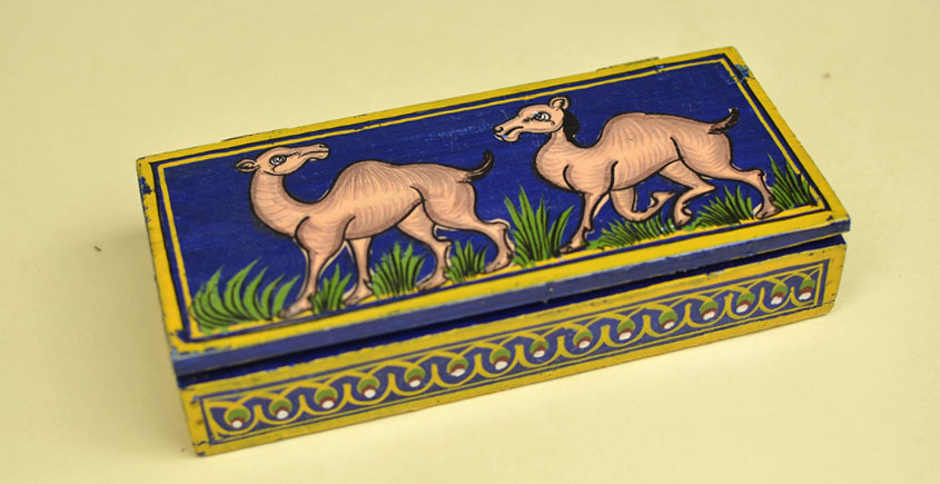 Wooden box ☀  Good natured camels