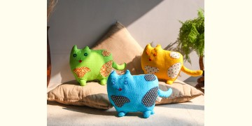 Animal Cushion – Playful Kitty { 1 } { Single piece }