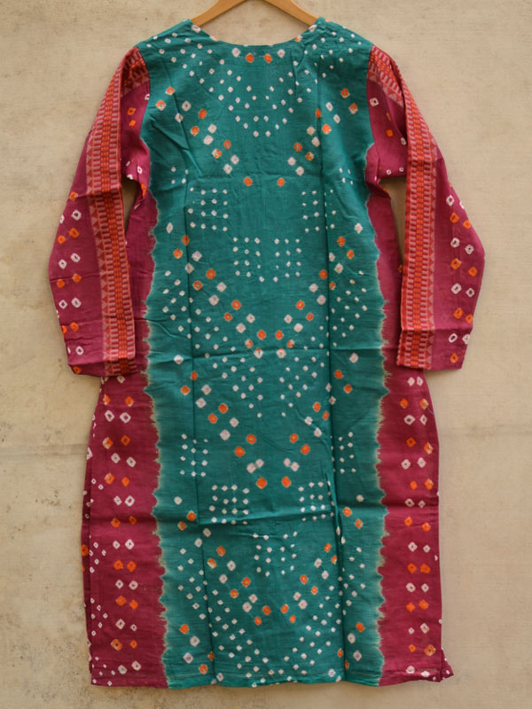 Buy traditional gujrati bandhani and hand embroidery